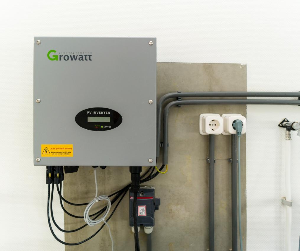 de loskade Growat PV inverter installatie